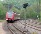 1_TM_1_Bahnhofseinfahrt-Türkismühle_Br-425-138-5_W